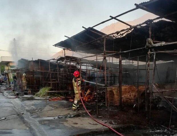 آتش سوزی در بازار گل امام رضا/ ۳۲ غرفه دچار حریق شدند