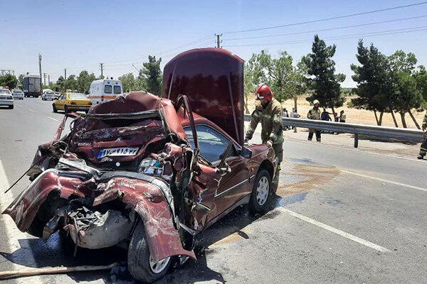 تصادف و ایجاد ترافیک در جاده بهشت زهرا