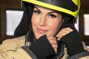 جذاب ترین آتش نشان زن جهان! عکس