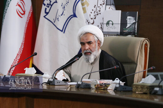 روح الله حسینیان: شیوه انتخاب رهبری در نظام ما، کاملا مردمی است