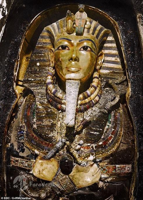 ماسکی که تون عنخ آمون با آن دفن شده بود