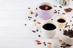 کافئین و عوارض مصرف بیش از حد آن، از اضطراب تا فشار خون