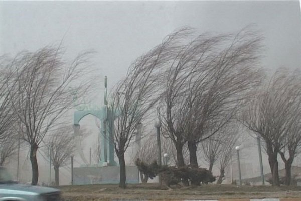 وزش باد شدید موقتی در ۱۰ استان کشور