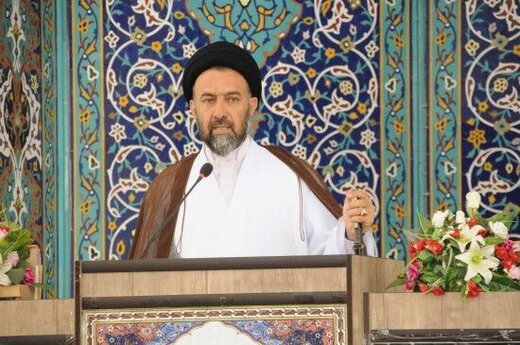 عذرخواهی متفاوت یک امام جمعه از وزیر روحانی: اگر حلال نکنید و نبخشید، استعفا میدهم