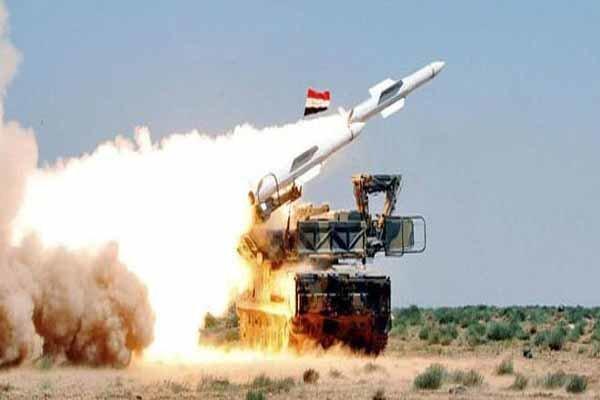 مقابله پدافند سوریه با اهداف متخاصم در آسمان دمشق
