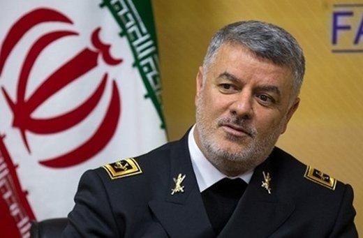 هشدار فرمانده نیروی دریایی ارتش به دشمنان ایران: با یک پهپاد غافلگیرتان می کنیم/ با هیچکس شوخی نداریم