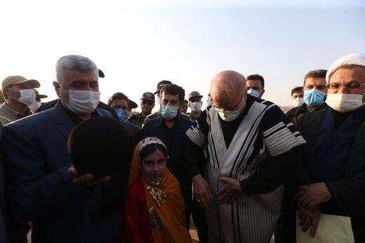 پوشش و لباس متفاوت قالیباف در سفر به خوزستان