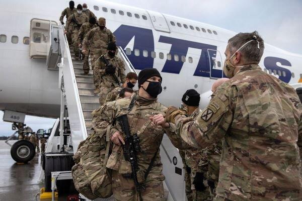 پنتاگون طرح خروج نیروها از عراق و افغانستان را بازبینی می کند