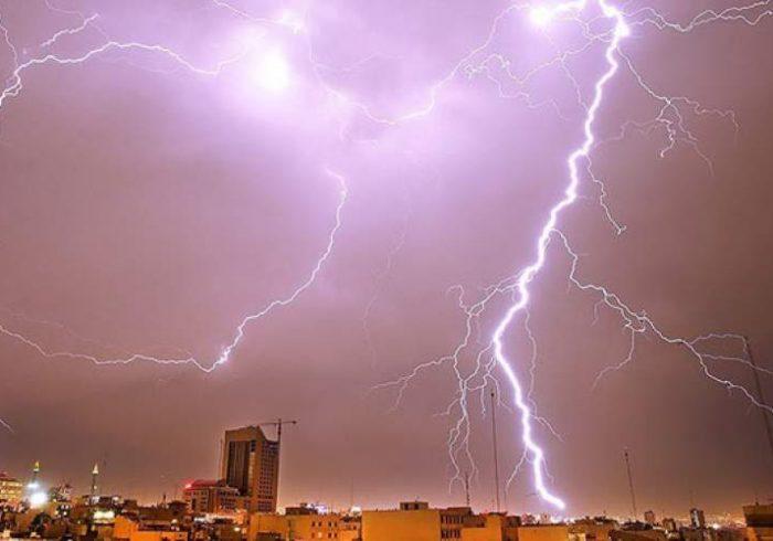 بارش باران و رعد وبرق در برخی استانها/ وزش باد شدید در تهران