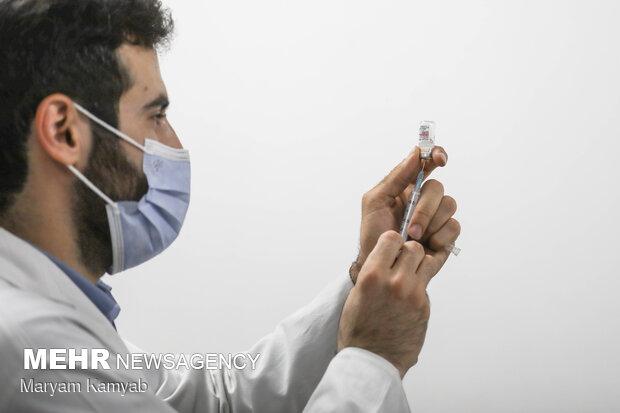 توصیه به افرادی که برای تزریق واکسن عجله دارند