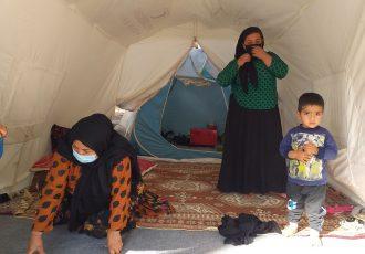 مهاجران و مستاجران؛ خانه به دوش های شهر زلزله زده سی سخت