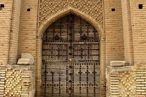اثر تاریخی ۳۰۰ ساله در ایران به آتش کشیده شد! + عکس