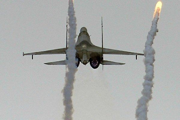 جنگندههای ارتش سوریه مواضع عناصر تروریست را بمباران کردند