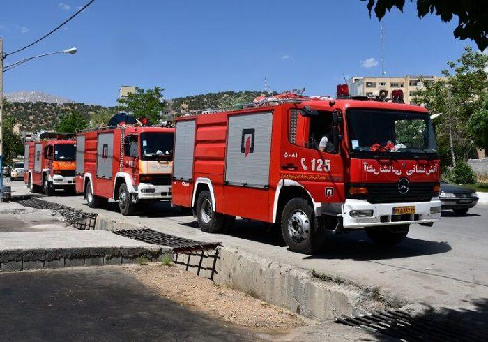 ۶ تیم آتش نشانی شهرداری تهران در یاسوج مستقر شدند
