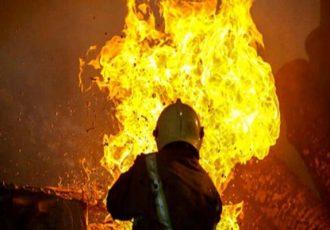 آتش سوزی در شهرک صنعتی راوند/ ۷ کارگر و ۳ آتش نشان مصدوم شدند
