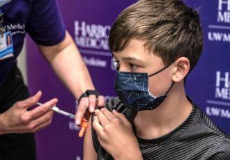 همه چیز درباره واکسیناسیون دانشآموزان