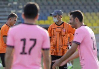 گلمحمدی: تداخل بازی تیم ملی با اردوی پرسپولیس به ضرر ماست
