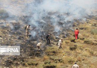 ۴۰۰ نیروی آموزش دیده در عملیات مهار آتش کوه نور بویراحمد شرکت دارند